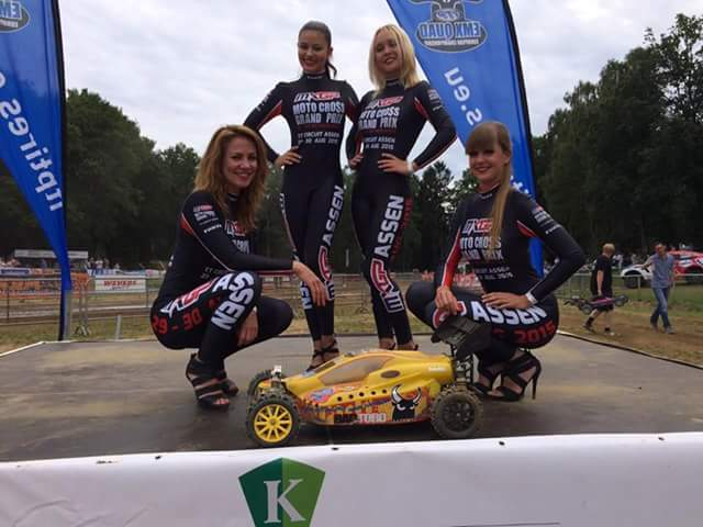 Auto RC-Girls - Page 6 12122410