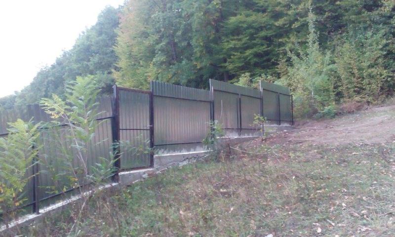 La construction du refuge a débuté - Page 2 12038610