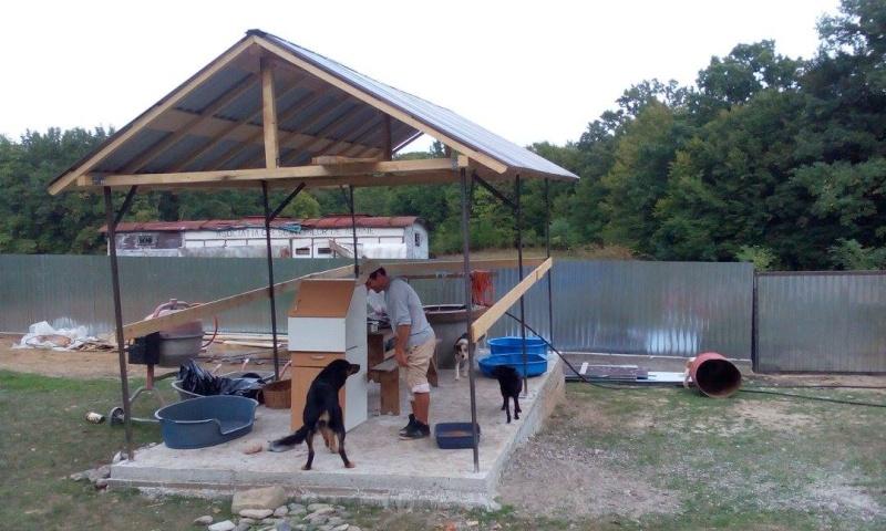 La construction du refuge a débuté - Page 2 12094910