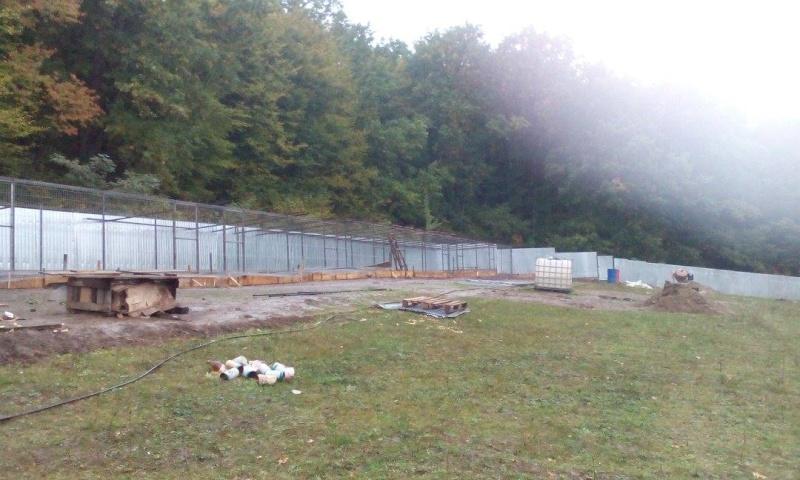 La construction du refuge a débuté - Page 3 12113310