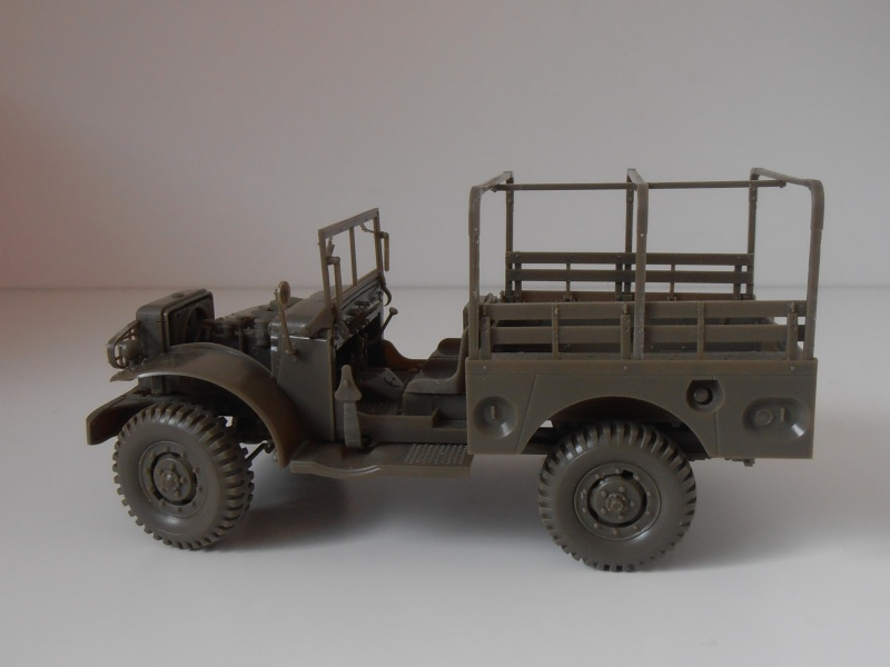 Dodge WC51 ( 1/35ème AFV ) P9290110