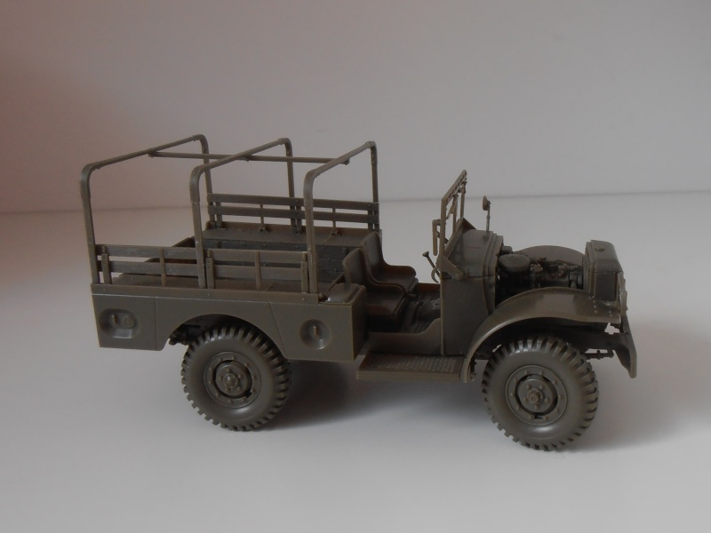 Dodge WC51 ( 1/35ème AFV ) P9290113