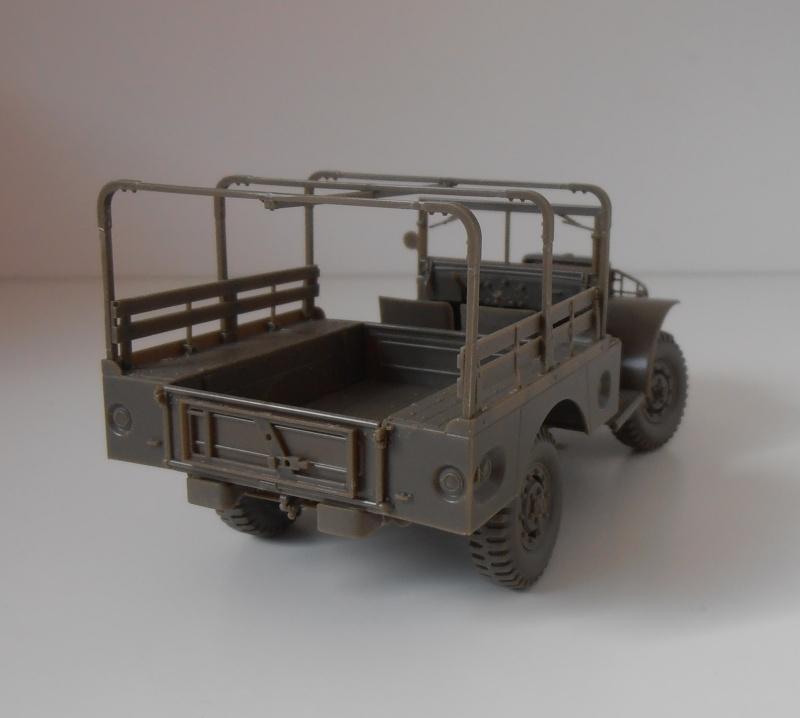 Dodge WC51 ( 1/35ème AFV ) P9290114