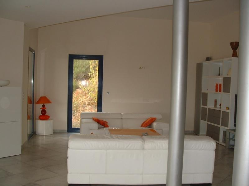 couleur orange pour grand mur mal foutu dans salon ? Salon210