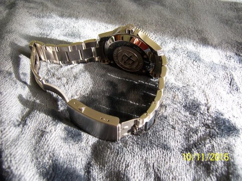 ward - Revue de la montre Christopher Ward TRIDENT C60-GMT600  en version 42 mm. 100_2633