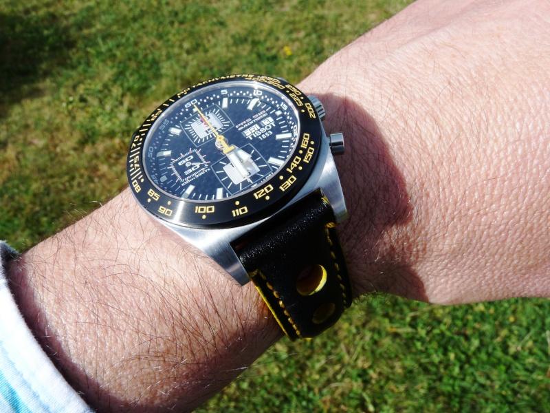 Feu de vos montres de pilote automobile - Page 6 P1010111