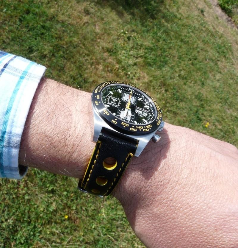 Feu de vos montres de pilote automobile - Page 6 P1010113