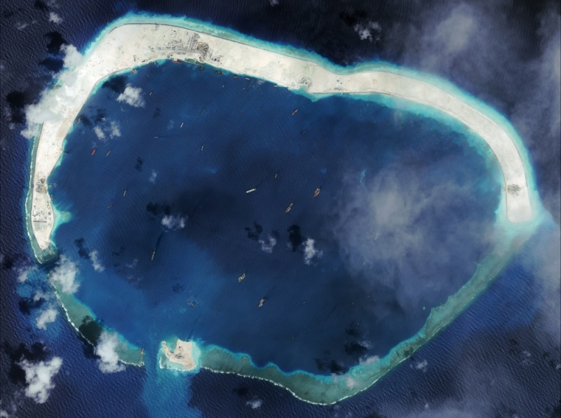 China build artificial islands in South China Sea - Page 3 Mischi10