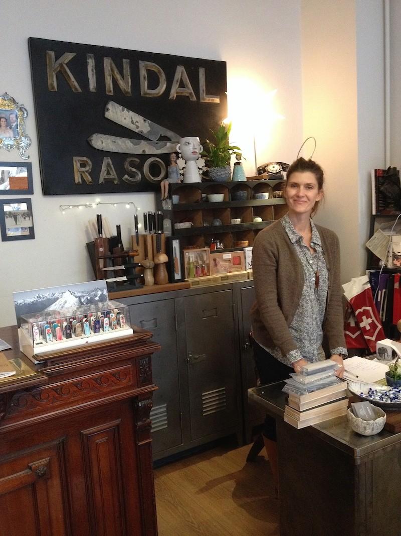Visite de la boutique Kindal à Paris Img_5626