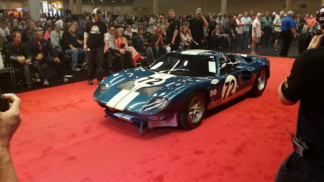 La FORD GT 40  Ford-g14
