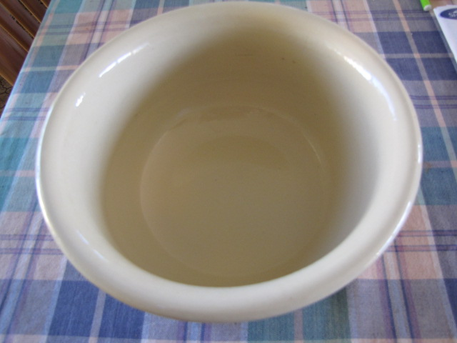 Is this chamberpot CL? Jeremy has identified it as Ambrico Oldcha10