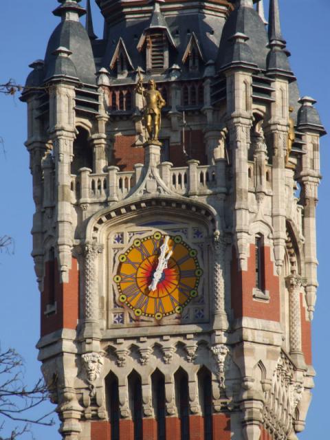 Reçu un beau diapo....Les horloges et pendules des rues..... - Page 2 Horl_b11