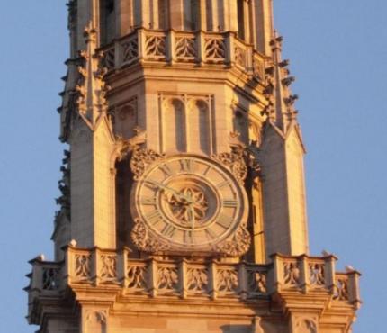 Reçu un beau diapo....Les horloges et pendules des rues..... - Page 3 Horl_b12