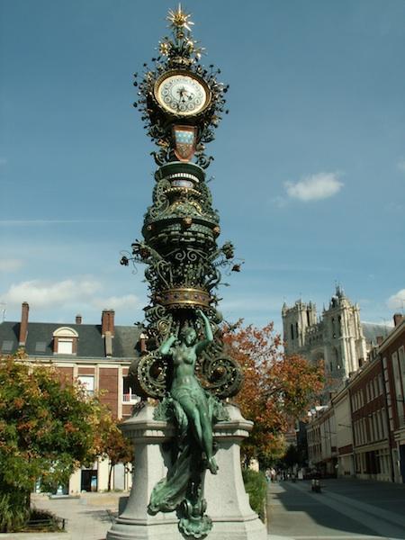 Reçu un beau diapo....Les horloges et pendules des rues..... - Page 3 Horl_d10