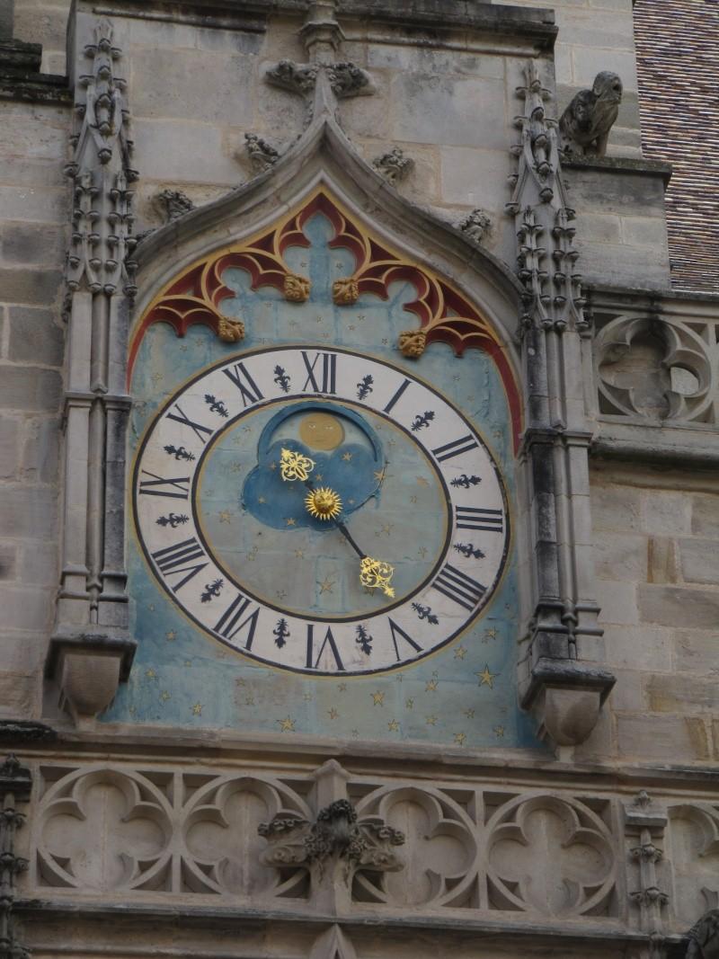 Reçu un beau diapo....Les horloges et pendules des rues..... - Page 2 Img_4214