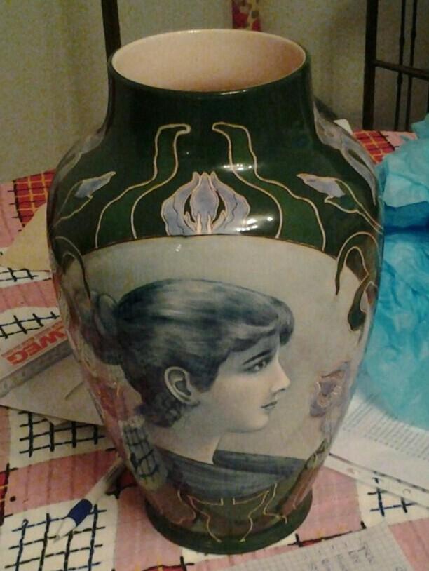 art nouveau portrait vase Img-2011