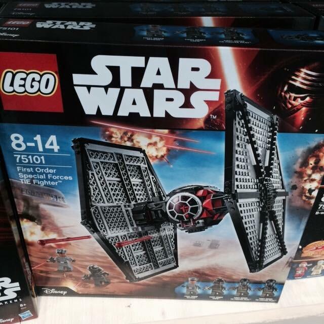 Les Articles Star Wars Disney Store Image35