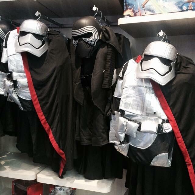 Les Articles Star Wars Disney Store Image37