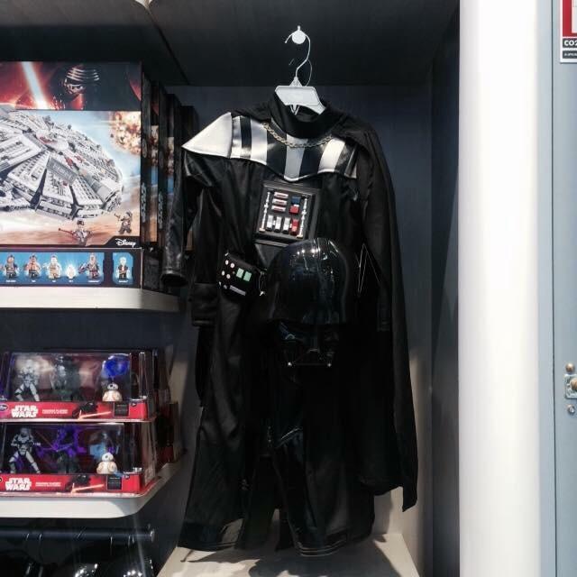 Les Articles Star Wars Disney Store Image40