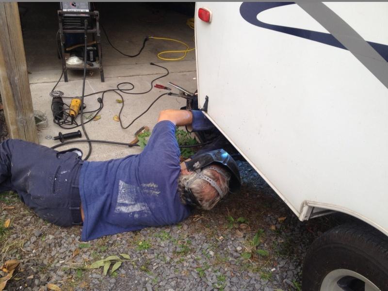 Réparation d'un parechoc défoncé Img_2418