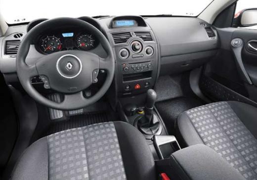 Récapitulatif des finitions Renault Mégane 2 phase 1 et 2 (2002-2009) Authen10