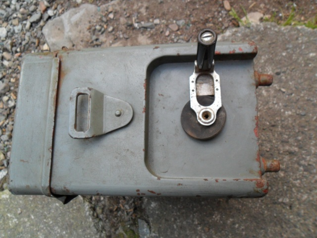 Telephone militaire T-M 1932 Sam_0576