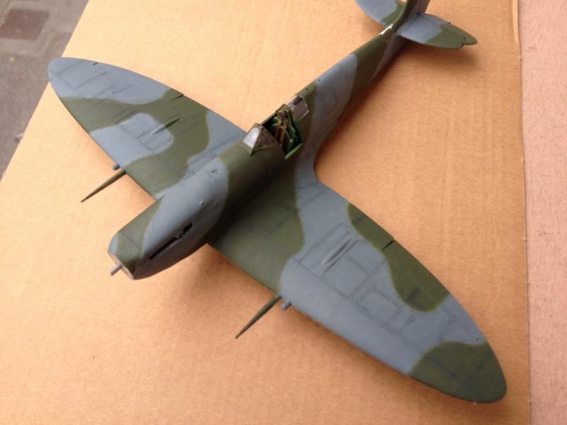 Spitfire IX [ICM] 1:48e (Projet AA) - Page 8 Img_4221