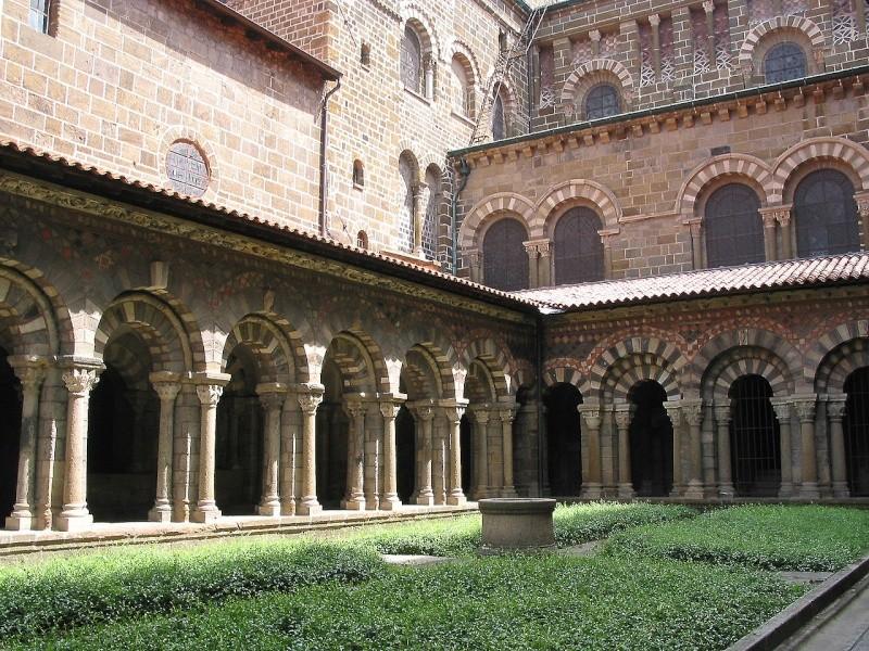 Héritage islamique en occident  dans l'architecture médievale. 1280px11