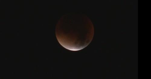 L'éclipse de la super lune du 28 septembre 2015 Ec1110