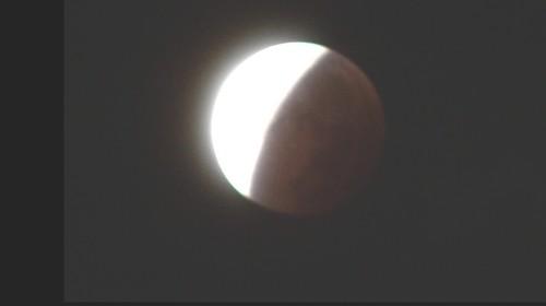 L'éclipse de la super lune du 28 septembre 2015 Ec1610