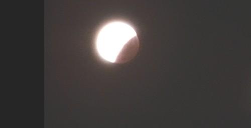 L'éclipse de la super lune du 28 septembre 2015 Ec1810