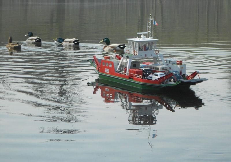 Navigation fluviale: les bacs de Seine Dscn0714