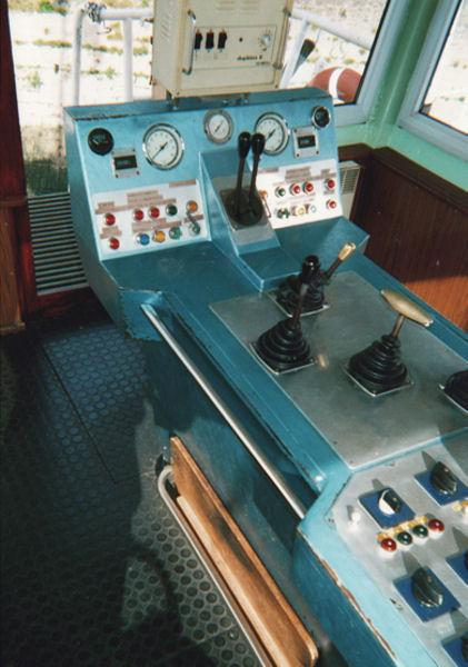 Navigation fluviale: les bacs de Seine Tablea10