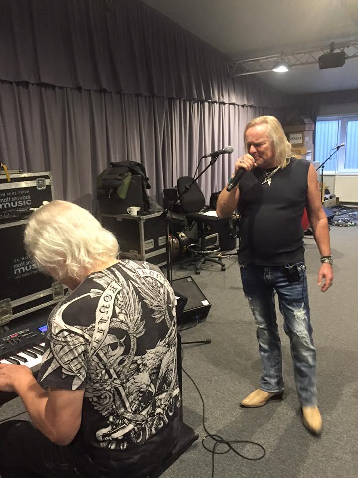 Uriah Heep en concert avec 2 invités ... de choix! 12112310