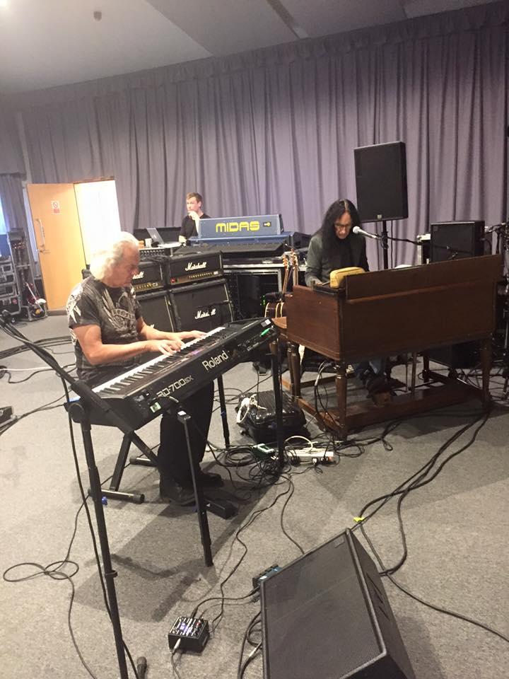 Uriah Heep en concert avec 2 invités ... de choix! 12112410