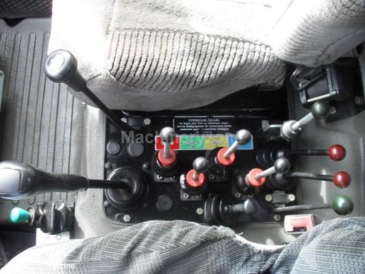 PROBLEME utilisation pour les manette  centrale d' U 1000 Unimog10