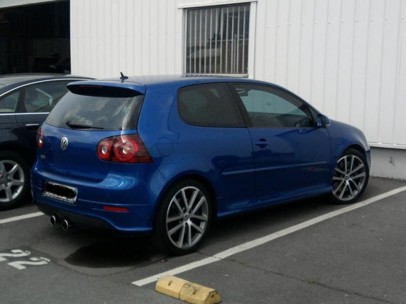 golf V R bleu et un V gris Photo010