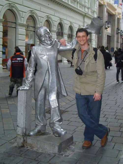 Des statues amusantes ! - Page 2 14929010