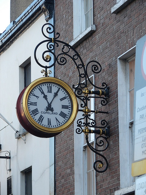 Reçu un beau diapo....Les horloges et pendules des rues..... - Page 4 Dublin10