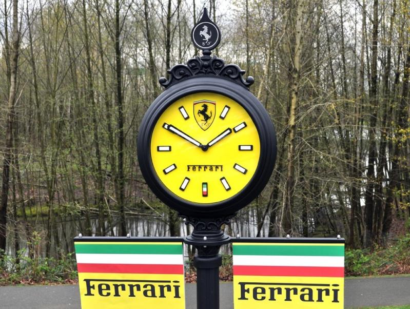 Reçu un beau diapo....Les horloges et pendules des rues..... - Page 3 Ferrar10