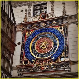 Reçu un beau diapo....Les horloges et pendules des rues..... - Page 2 Rue_du10