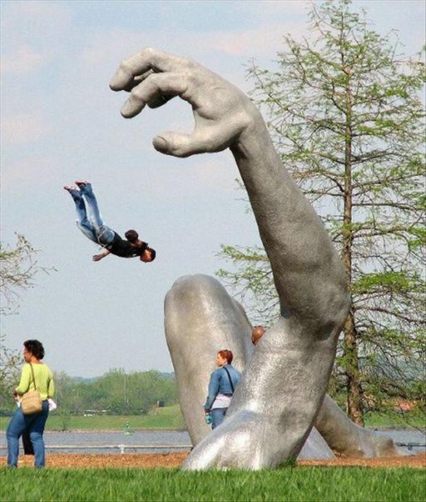 Des statues amusantes ! - Page 2 Statue12