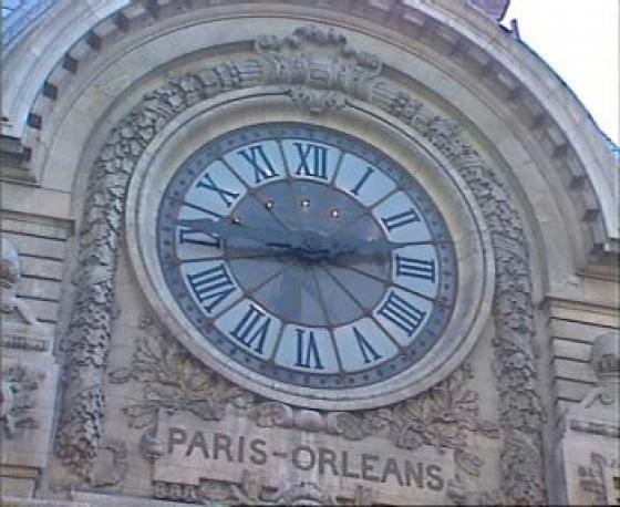Reçu un beau diapo....Les horloges et pendules des rues..... - Page 4 W-011010
