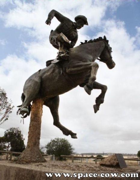 Des statues amusantes ! Wrong_10