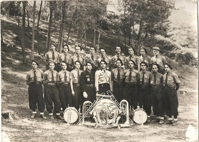 Groupe de musiciens du groupement N°31 Musiqu10