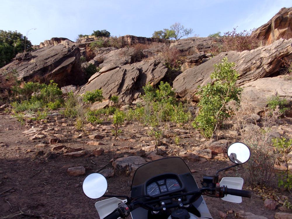 Photos de vous et de votre moto devant ....un château  - Page 18 Moto11
