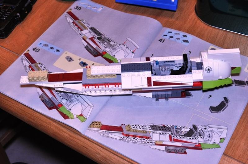 Lego - 10215 - UCS Obi-Wan's Jedi Starfighter Dsc_0221