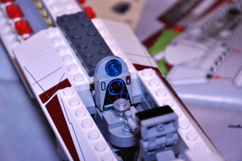 Lego - 10215 - UCS Obi-Wan's Jedi Starfighter Dsc_0222