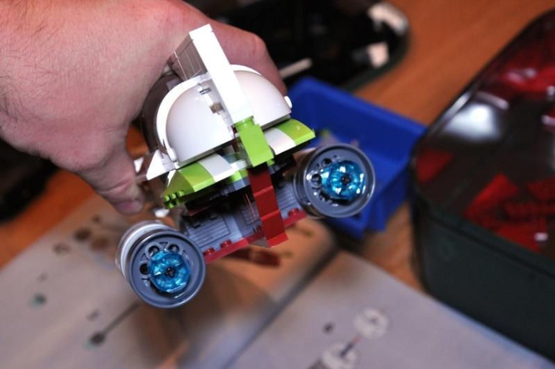 Lego - 10215 - UCS Obi-Wan's Jedi Starfighter Dsc_0230