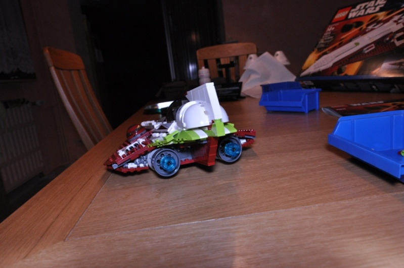 Lego - 10215 - UCS Obi-Wan's Jedi Starfighter Dsc_0244